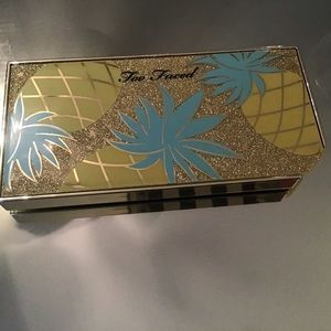 Sparkling pineapple too faced shadow set